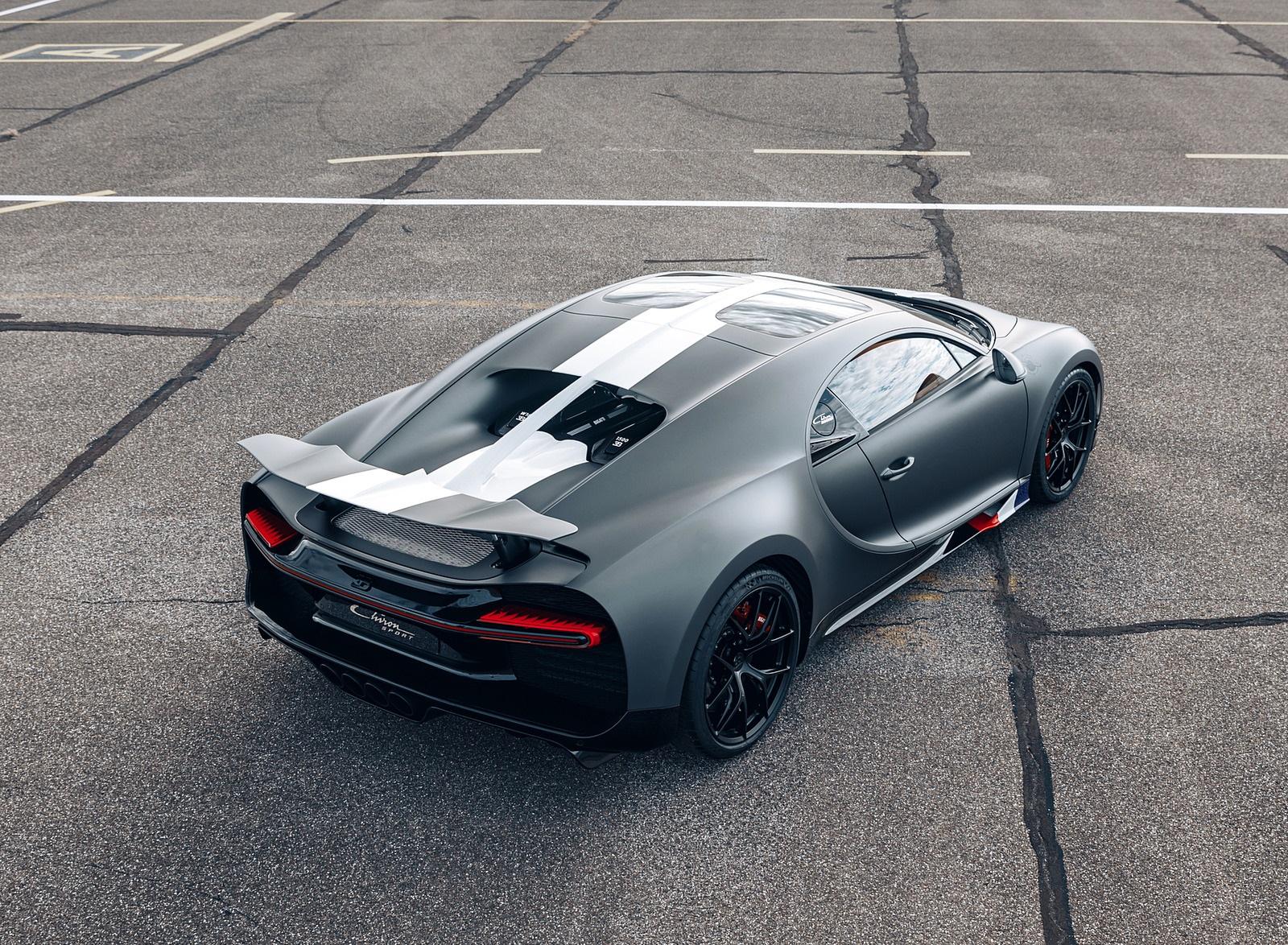 2021 Bugatti Chiron Sport Les Légendes du Ciel Rear Three-Quarter Wallpapers (5)