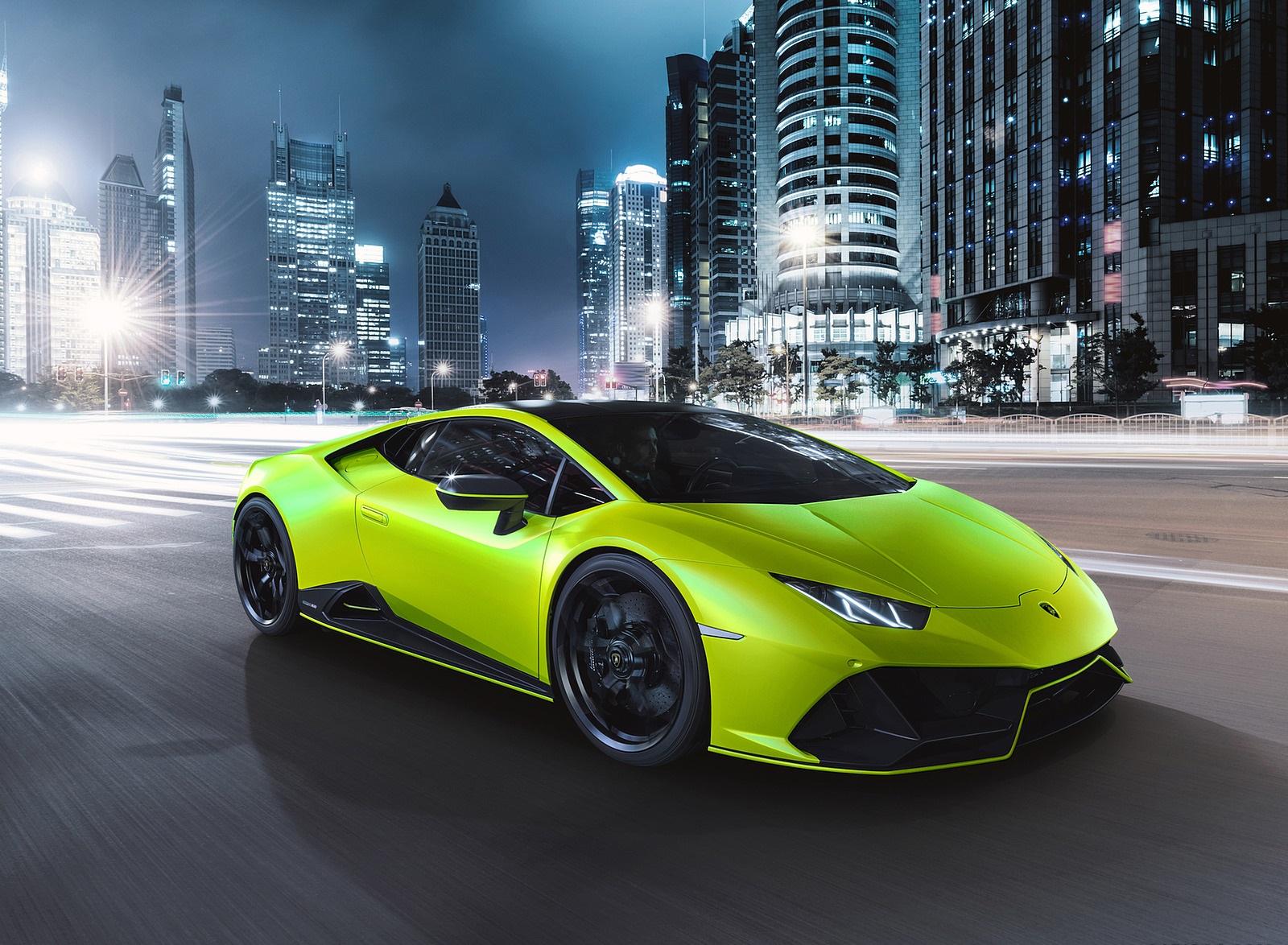 2021 Lamborghini Huracán EVO Fluo Capsule (Color: Green) Front Three-Quarter Wallpapers (3)