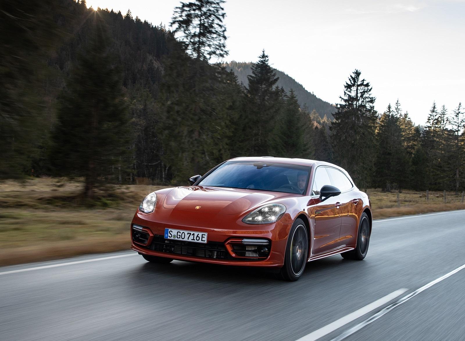 2021 Porsche Panamera 4 E-Hybrid Sport Turismo (Color: Papaya Metallic) Front Three-Quarter Wallpapers (1)