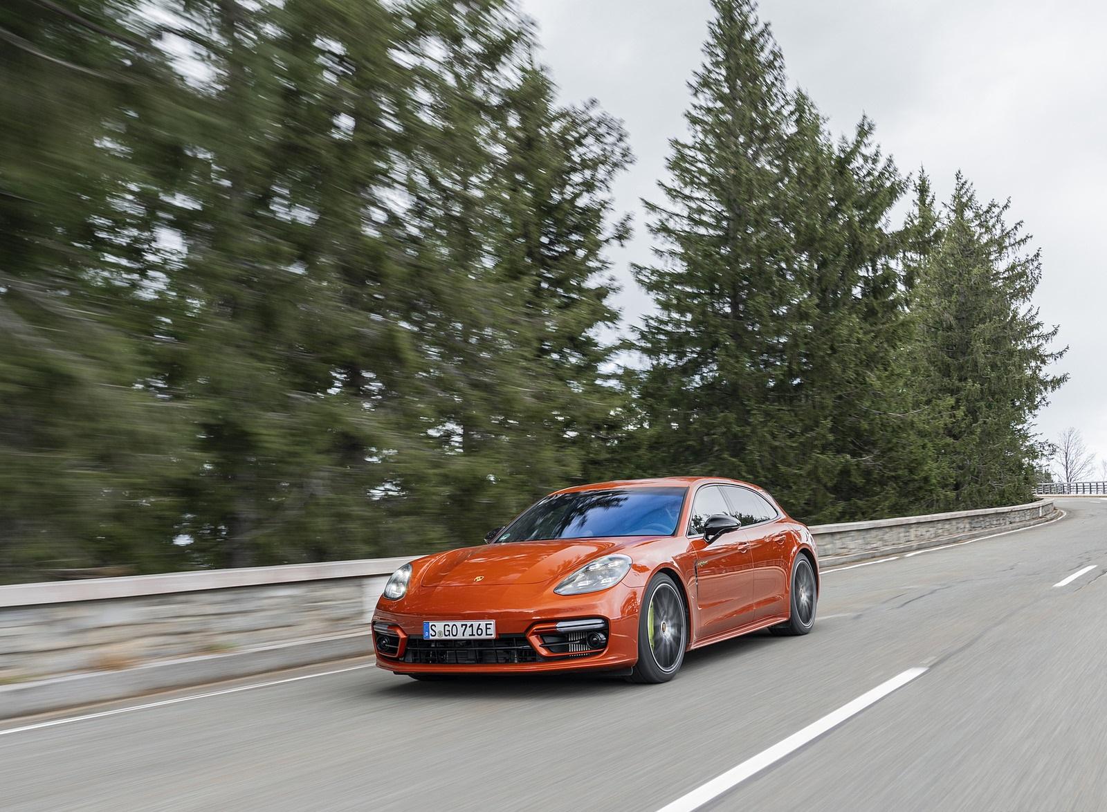 2021 Porsche Panamera 4 E-Hybrid Sport Turismo (Color: Papaya Metallic) Front Three-Quarter Wallpapers (6)