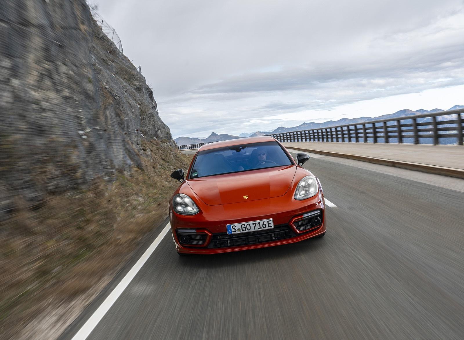 2021 Porsche Panamera 4 E-Hybrid Sport Turismo (Color: Papaya Metallic) Front Wallpapers (2)