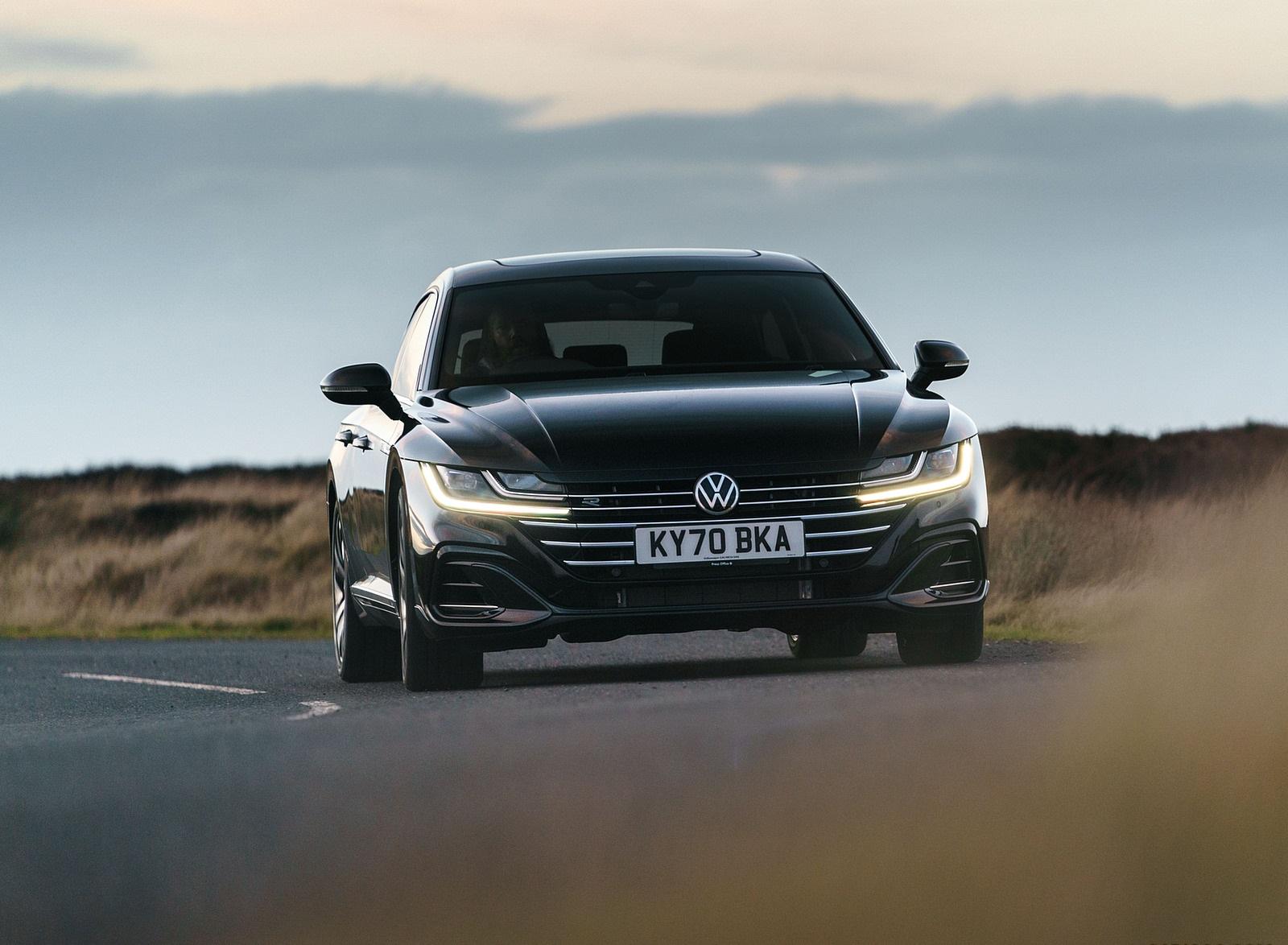 2021 Volkswagen Arteon Shooting Brake (UK-Spec) Front Wallpapers (8)