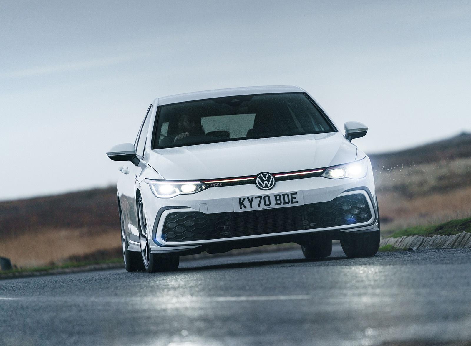 2021 Volkswagen Golf GTI (UK-Spec) Front Wallpapers (8)