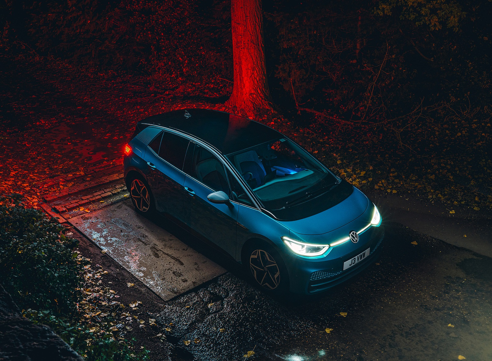 2021 Volkswagen ID.3 1st Edition (UK-Spec) Front Three-Quarter Wallpapers  (5)