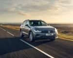 2021 Volkswagen Tiguan Life (UK-Spec) Front Three-Quarter Wallpapers 150x120 (6)