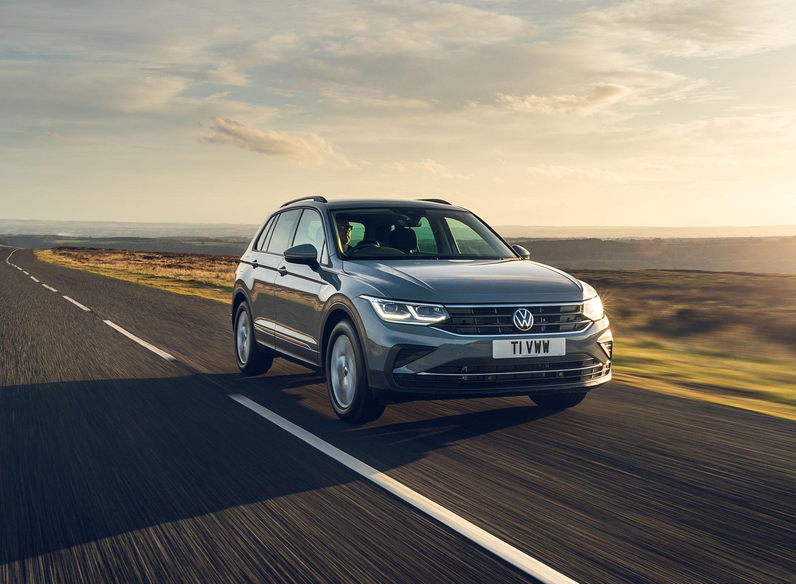 2021 Volkswagen Tiguan Life (UK-Spec) Front Three-Quarter Wallpapers (6)