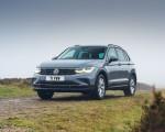 2021 Volkswagen Tiguan Life (UK-Spec) Front Three-Quarter Wallpapers 150x120 (20)