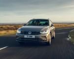 2021 Volkswagen Tiguan Life (UK-Spec) Front Wallpapers  150x120 (8)