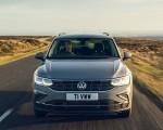 2021 Volkswagen Tiguan Life (UK-Spec) Front Wallpapers 150x120 (3)