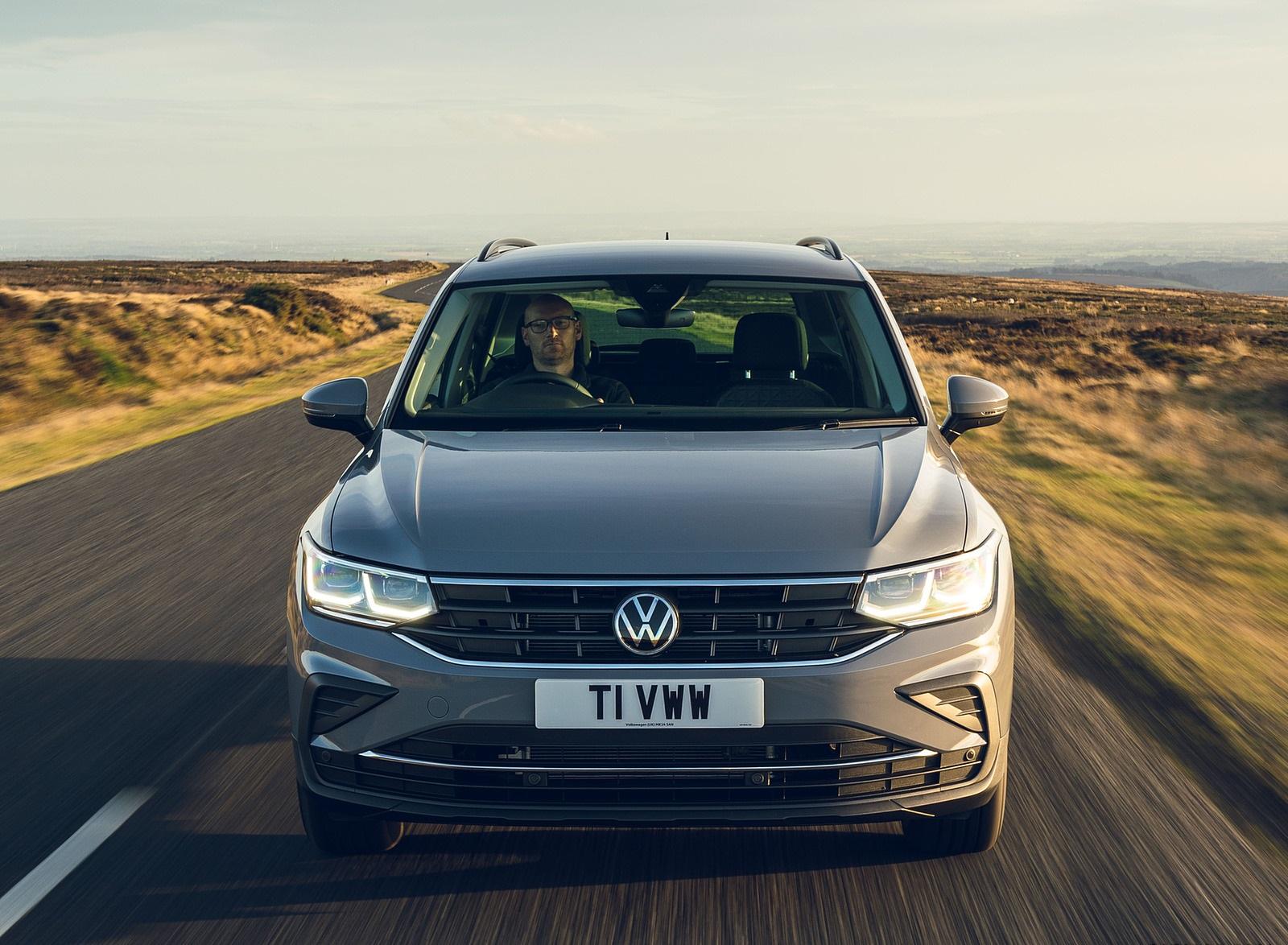 2021 Volkswagen Tiguan Life (UK-Spec) Front Wallpapers (3)