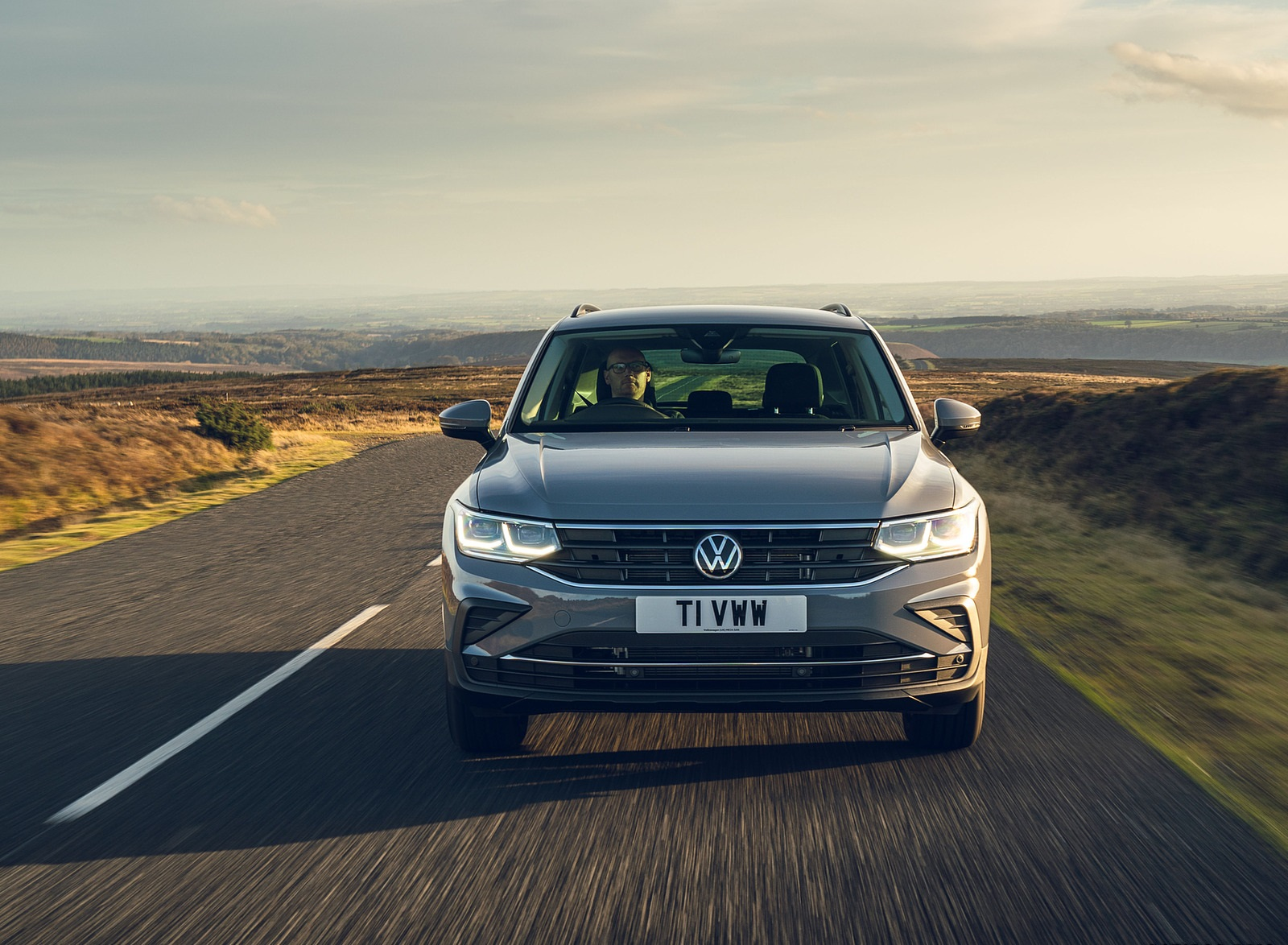 2021 Volkswagen Tiguan Life (UK-Spec) Front Wallpapers (9)