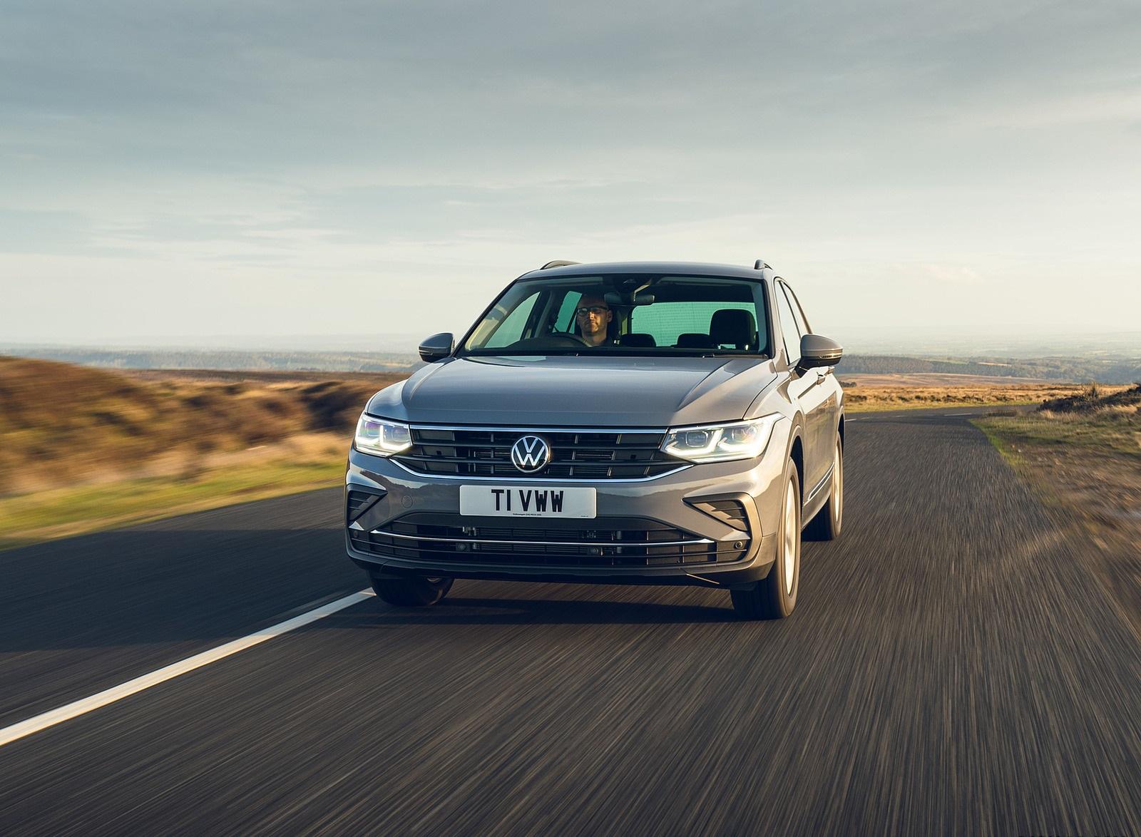 2021 Volkswagen Tiguan Life (UK-Spec) Front Wallpapers  (10)