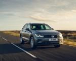 2021 Volkswagen Tiguan Life (UK-Spec) Front Wallpapers  150x120 (2)
