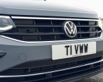2021 Volkswagen Tiguan Life (UK-Spec) Grill Wallpapers 150x120 (28)