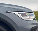 2021 Volkswagen Tiguan Life (UK-Spec) Headlight Wallpapers  150x120 (30)