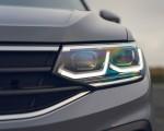 2021 Volkswagen Tiguan Life (UK-Spec) Headlight Wallpapers  150x120 (31)