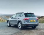 2021 Volkswagen Tiguan Life (UK-Spec) Rear Three-Quarter Wallpapers 150x120 (23)
