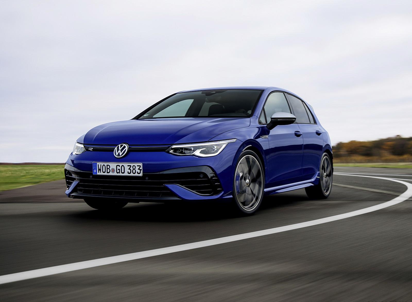 2022 Volkswagen Golf R Front Three-Quarter Wallpapers  (2)