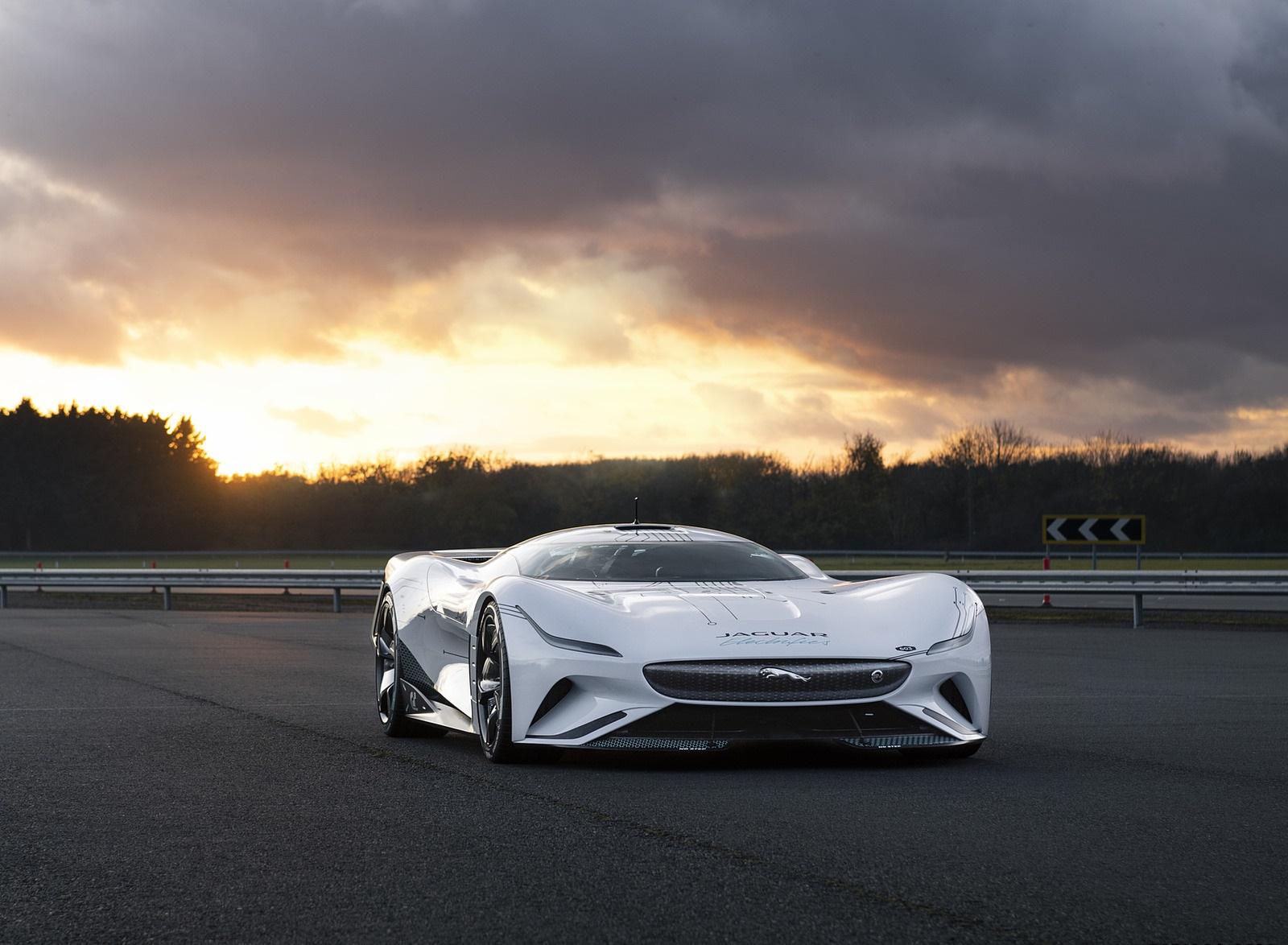 2020 Jaguar Vision Gran Turismo SV Front Three-Quarter Wallpapers (1)