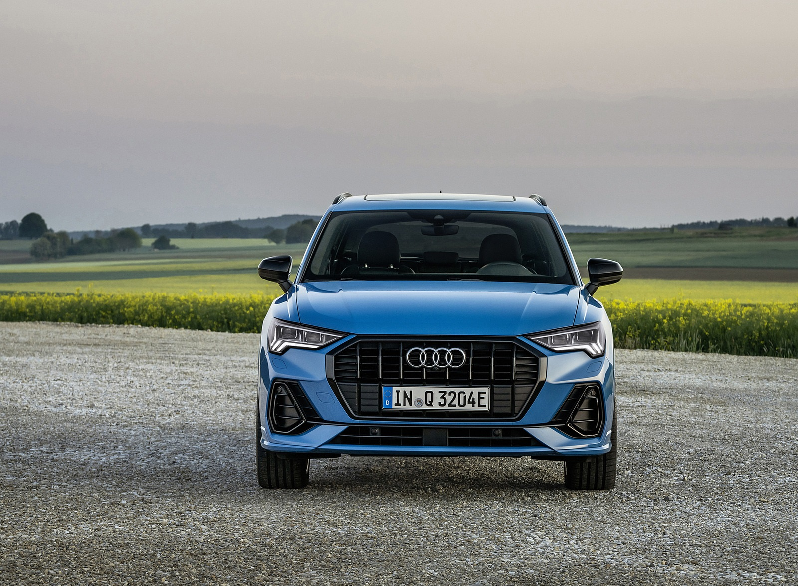 2021 Audi Q3 TFSI e Plug-In Hybrid (Color: Turbo Blue) Front Wallpapers (9)