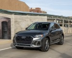 2021 Audi Q5 55 TFSI e quattro PHEV (US-Spec) Front Three-Quarter Wallpapers 150x120 (10)