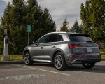 2021 Audi Q5 55 TFSI e quattro PHEV (US-Spec) Rear Three-Quarter Wallpapers 150x120 (22)