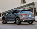 2021 Audi Q5 55 TFSI e quattro PHEV (US-Spec) Rear Three-Quarter Wallpapers 150x120 (20)