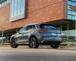 2021 Audi Q5 55 TFSI e quattro PHEV (US-Spec) Rear Three-Quarter Wallpapers 150x120 (21)