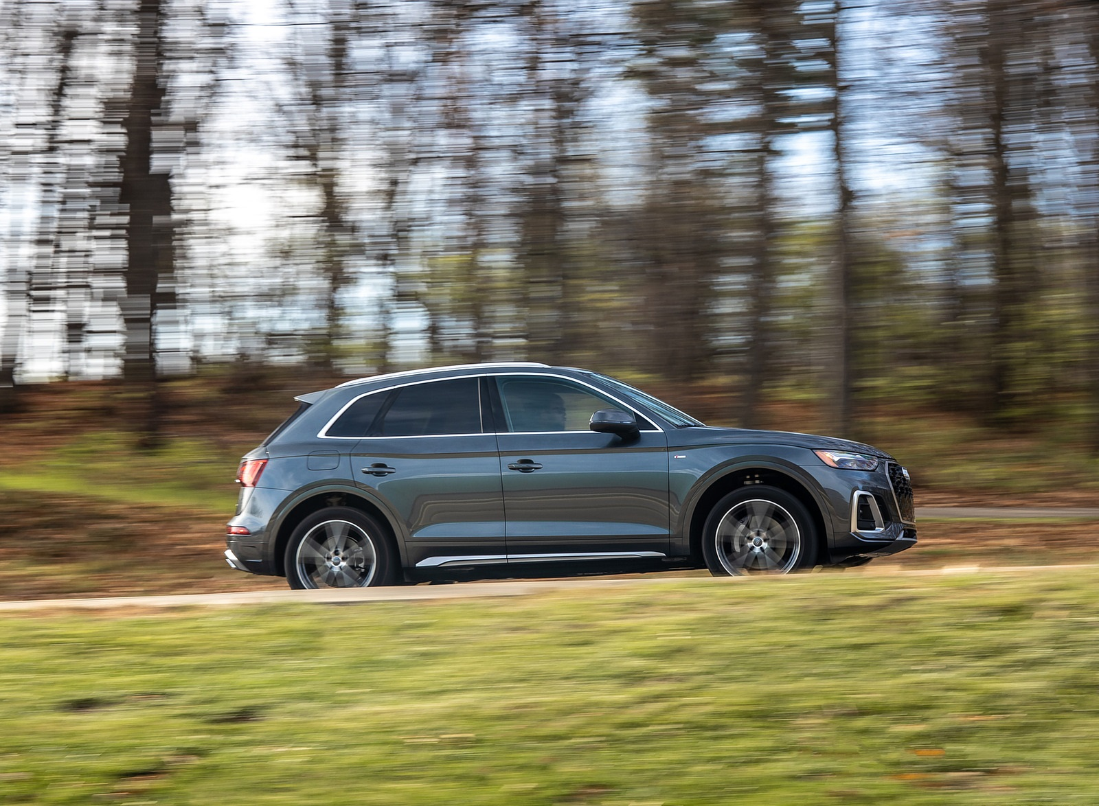 2021 Audi Q5 55 TFSI e quattro PHEV (US-Spec) Side Wallpapers (5)
