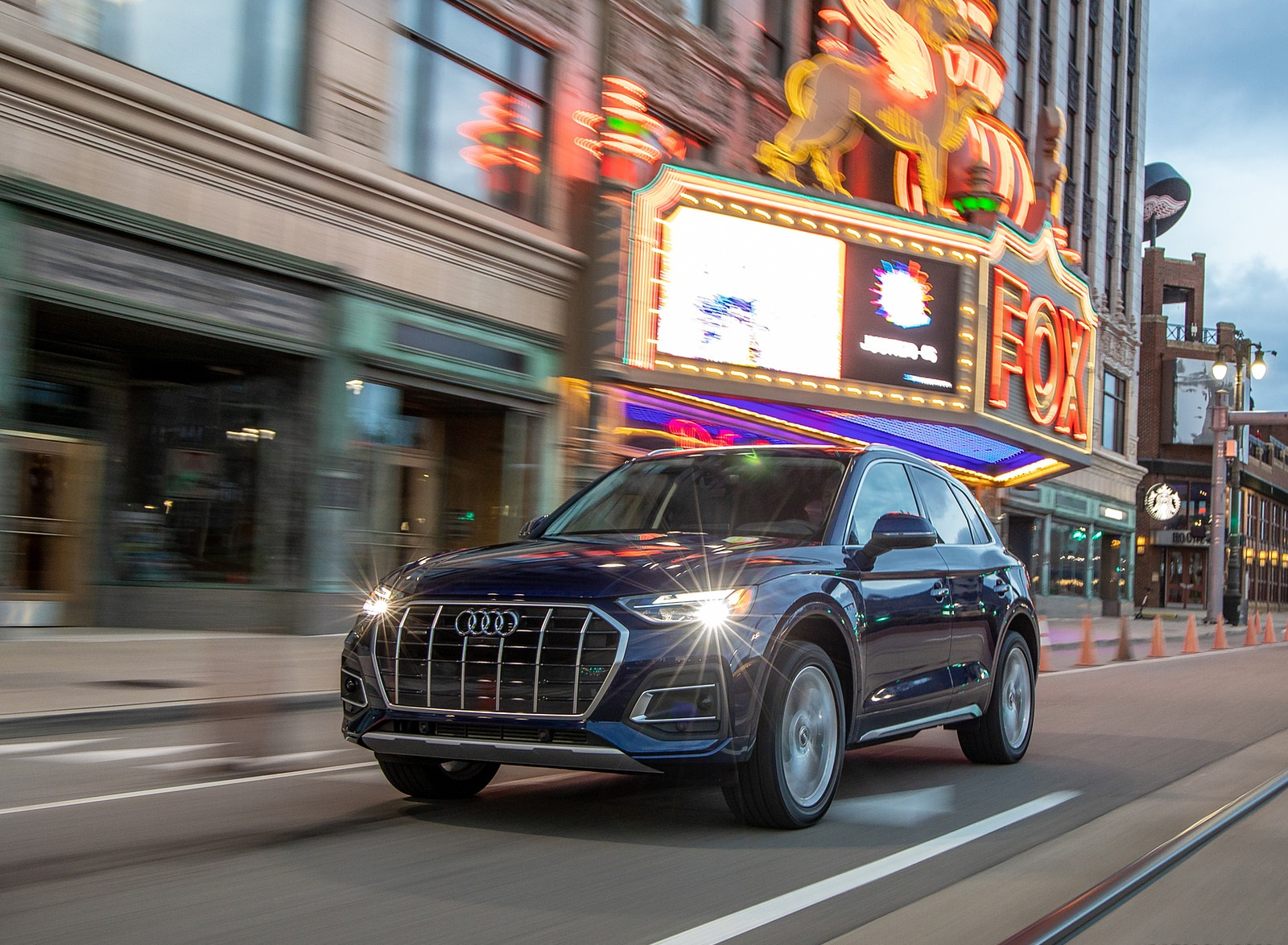 2021 Audi Q5 (US-Spec) Front Three-Quarter Wallpapers (6)