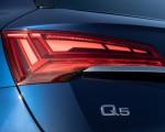 2021 Audi Q5 (US-Spec) Tail Light Wallpapers 150x120 (27)