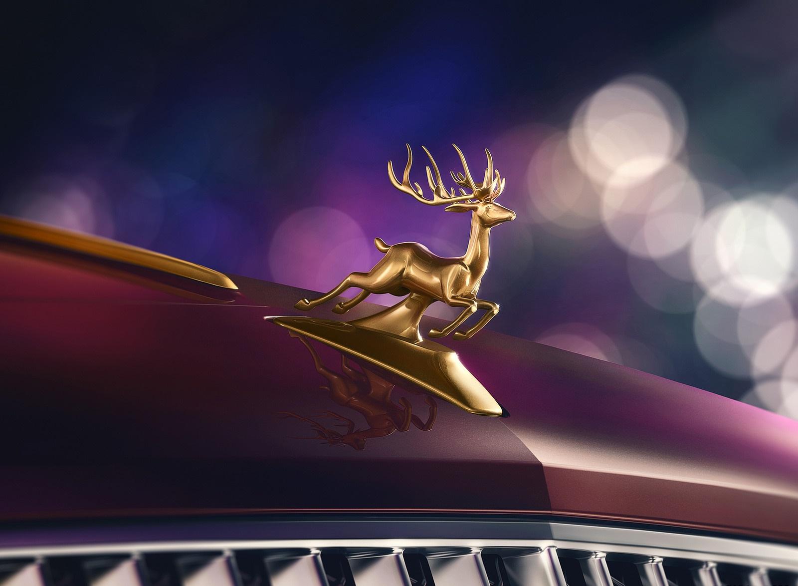 2021 Bentley Flying Spur V8 Reindeer Eight Reindeer Hood Ornament Wallpapers (3)