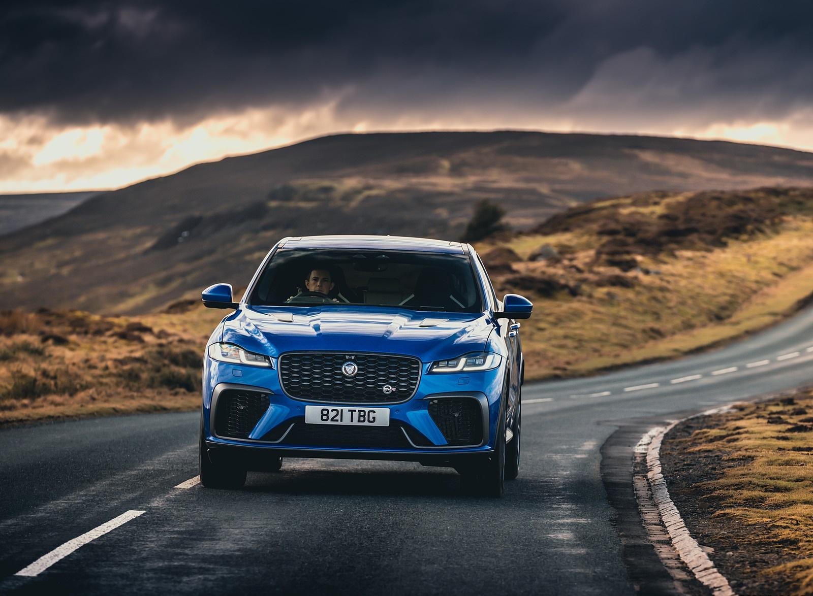2021 Jaguar F-PACE SVR (Color: Velocity Blue) Front Wallpapers (9)