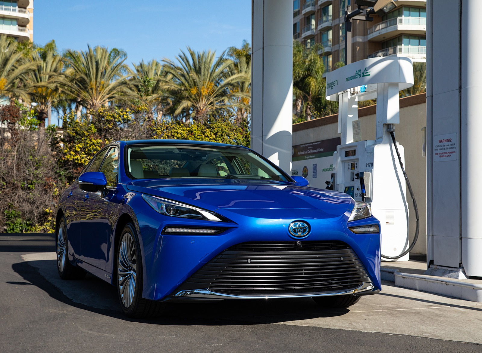 2021 Toyota Mirai FCEV Limited (Color: Hydro Blue) Front Wallpapers (4)