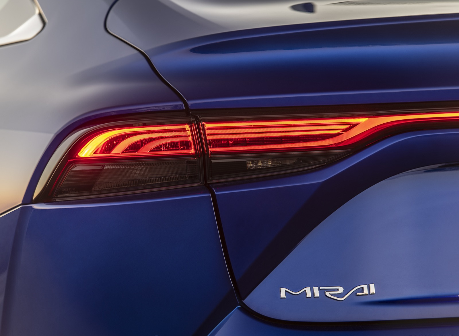 2021 Toyota Mirai FCEV Limited (Color: Hydro Blue) Tail Light Wallpapers (5)