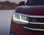 2021 Volkswagen Atlas Cross Sport Headlight Wallpapers 150x120 (19)