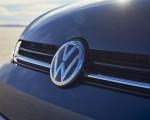 2021 Volkswagen Golf (US-Spec) Badge Wallpapers 150x120 (15)