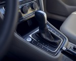 2021 Volkswagen Golf (US-Spec) Central Console Wallpapers 150x120 (20)
