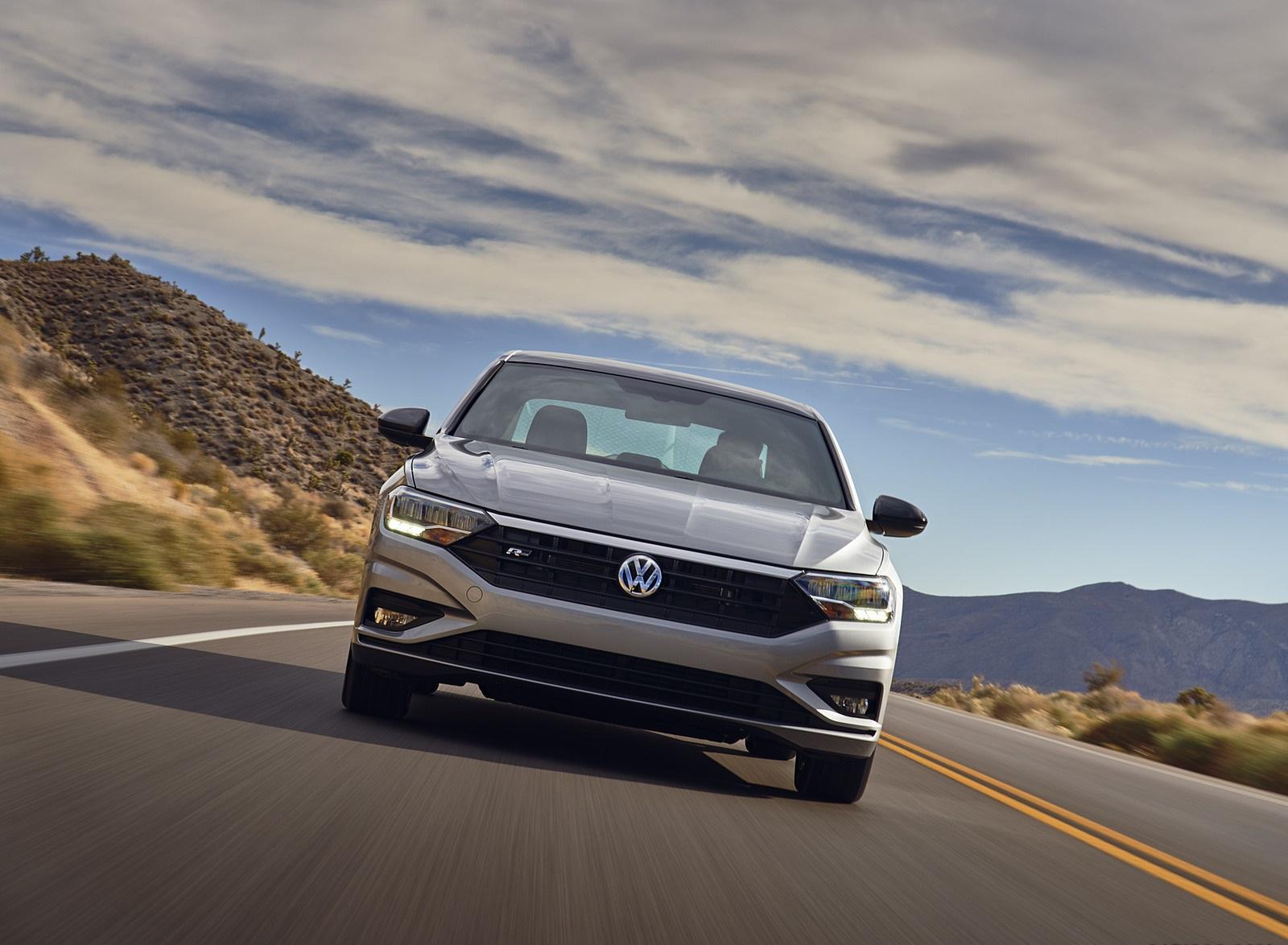 2021 Volkswagen Jetta (US-Spec) Front Wallpapers (2)