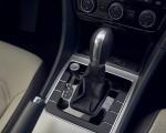 2021 Volkswagen Passat (US-Spec) Central Console Wallpapers 150x120 (17)