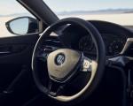2021 Volkswagen Passat (US-Spec) Interior Steering Wheel Wallpapers 150x120 (25)