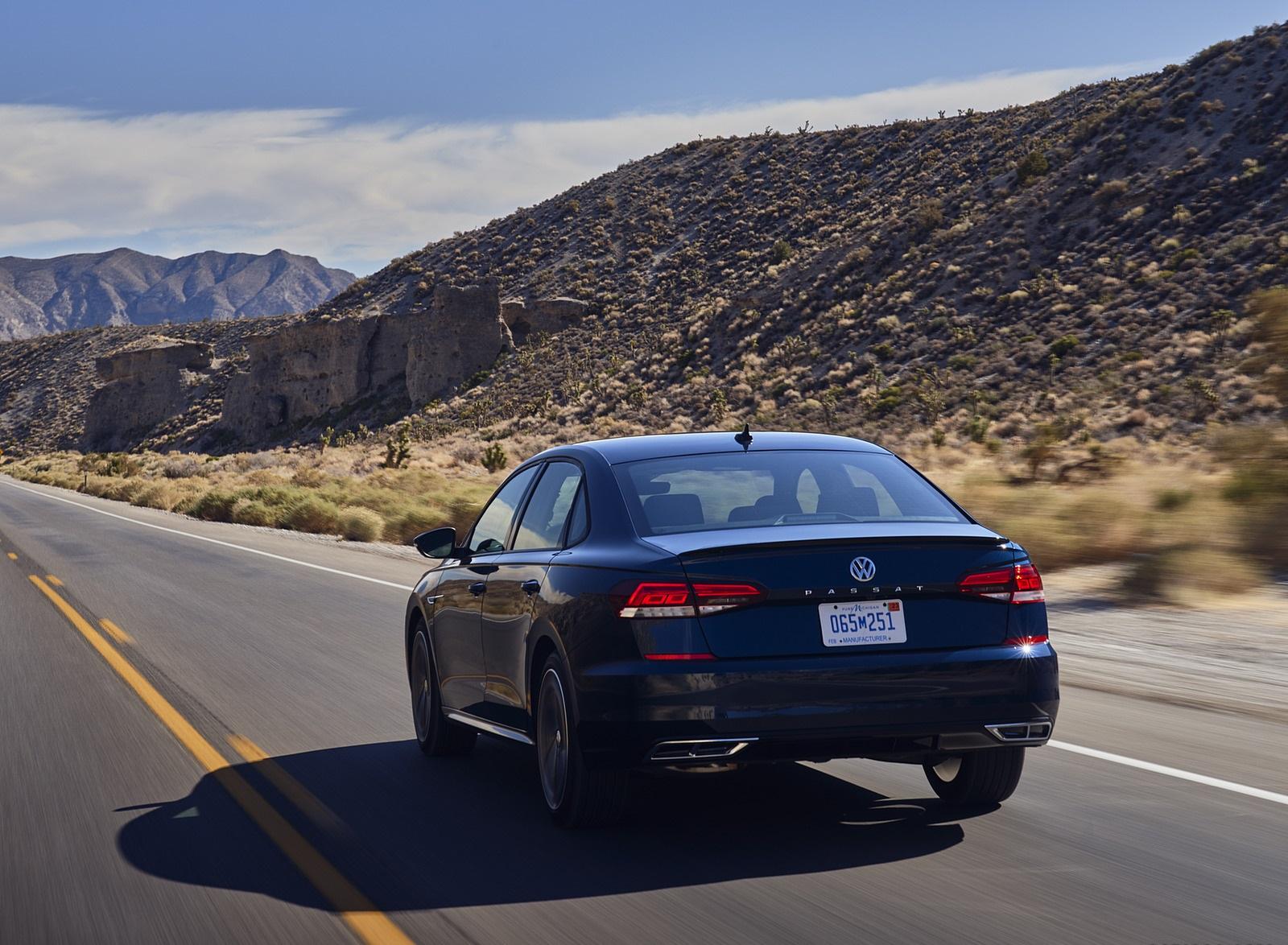 2021 Volkswagen Passat (US-Spec) Rear Wallpapers (5)