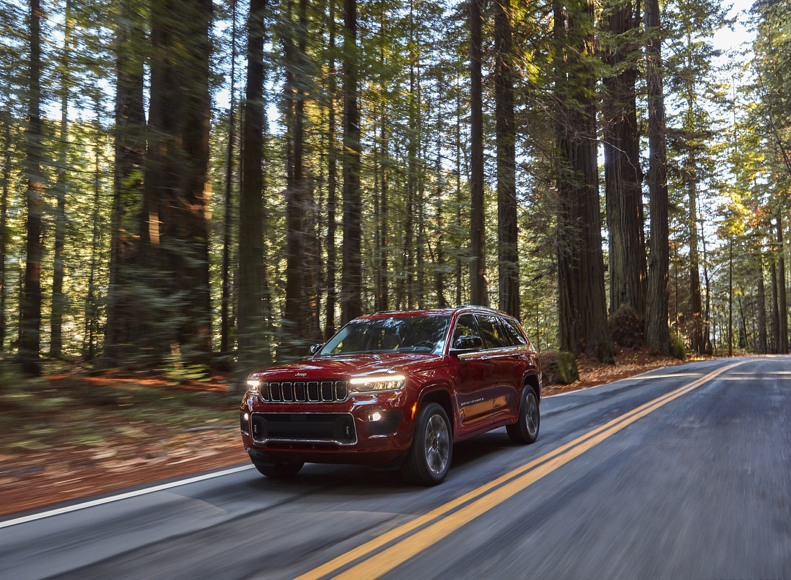 2021 Jeep Grand Cherokee L Overland Front Three-Quarter Wallpapers (2)