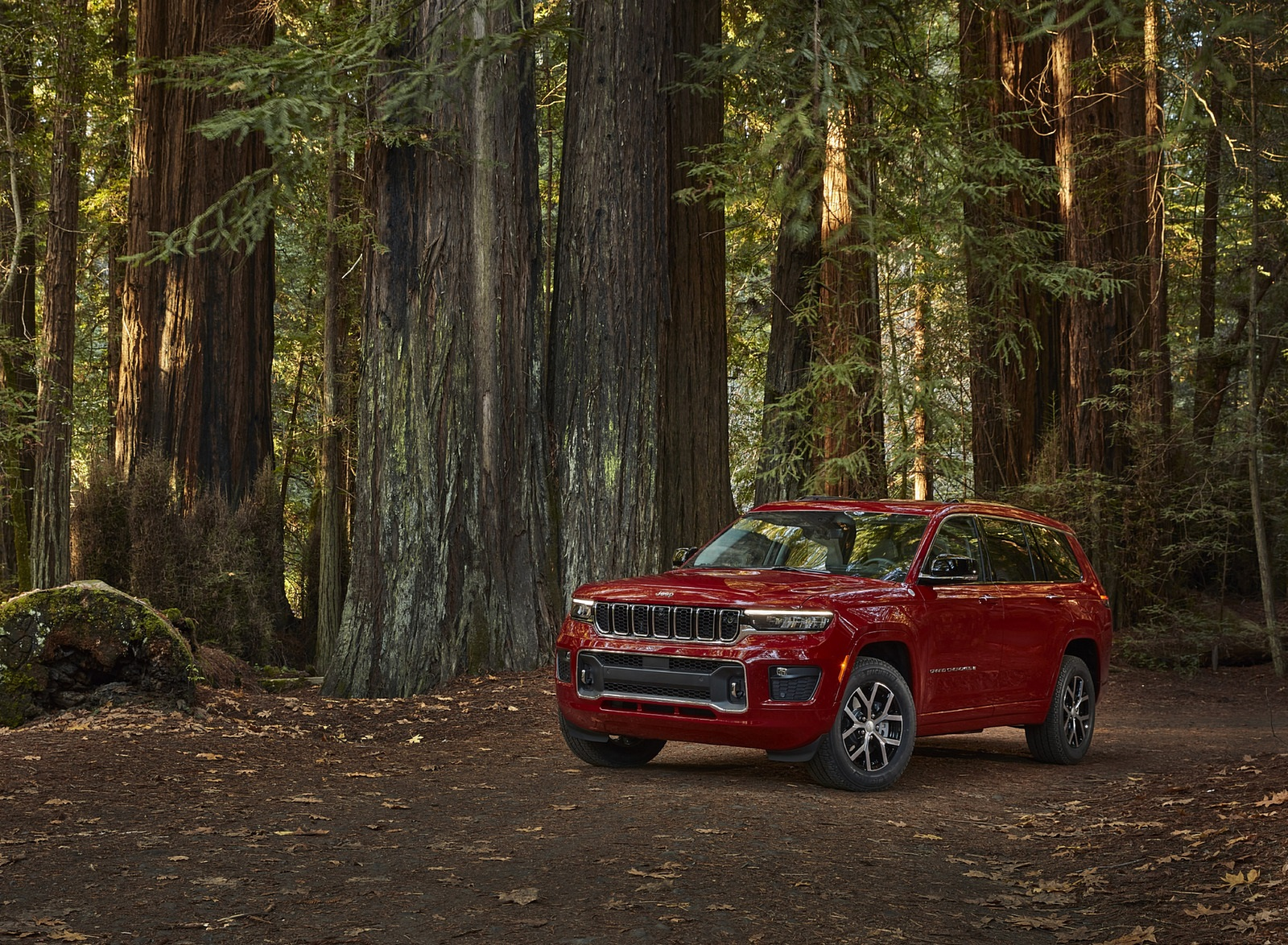 2021 Jeep Grand Cherokee L Overland Front Three-Quarter Wallpapers (9)