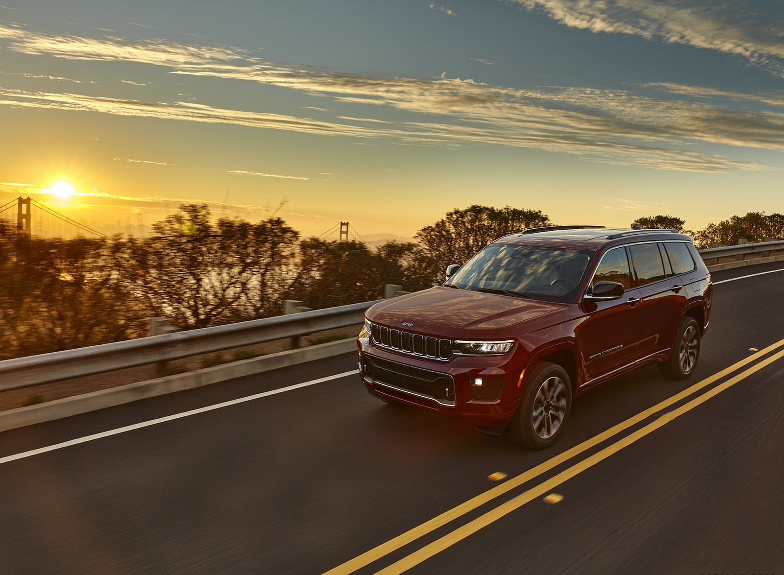 2021 Jeep Grand Cherokee L Overland Front Three-Quarter Wallpapers  (3)