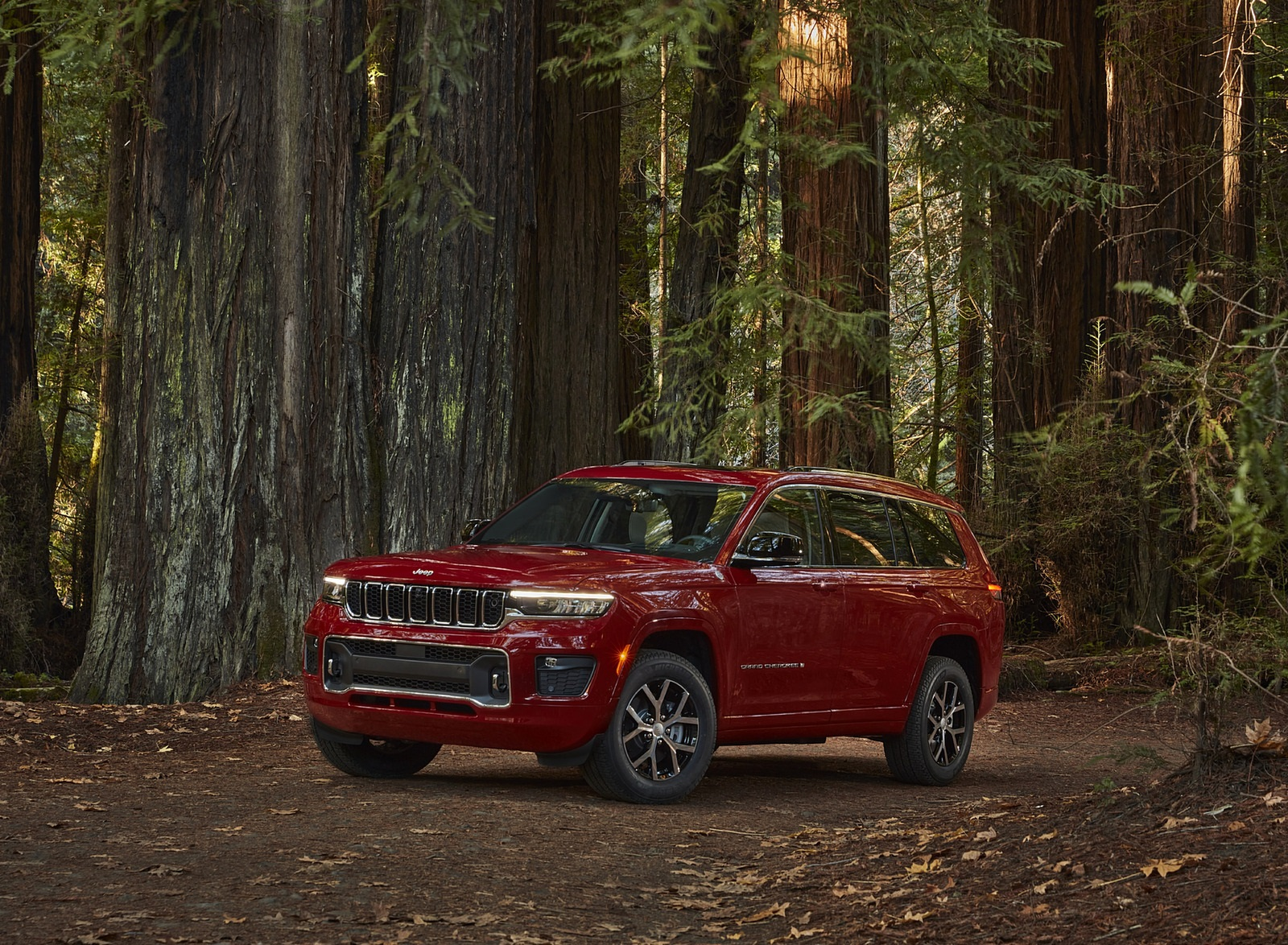 2021 Jeep Grand Cherokee L Overland Front Three-Quarter Wallpapers (10)