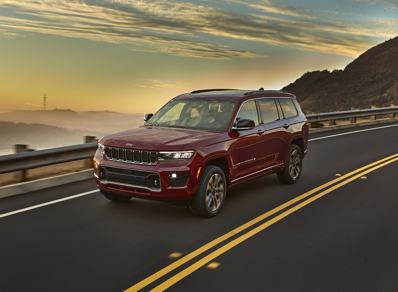 2021 Jeep Grand Cherokee L Overland Front Three-Quarter Wallpapers (5)