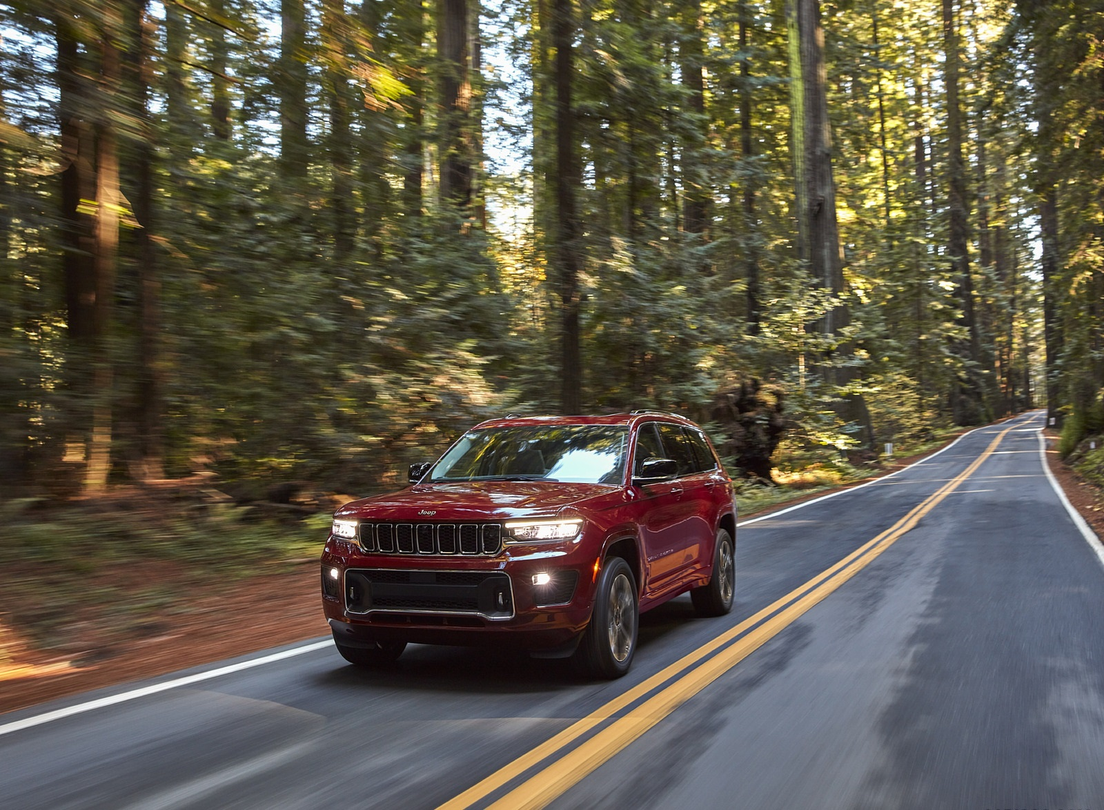 2021 Jeep Grand Cherokee L Overland Front Three-Quarter Wallpapers (6)