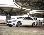 2021 Mercedes-Benz E 300 e Plug-In Hybrid (UK-Spec) Front Three-Quarter Wallpapers 150x120 (45)
