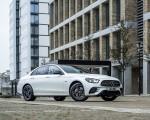 2021 Mercedes-Benz E 300 e Plug-In Hybrid (UK-Spec) Front Three-Quarter Wallpapers 150x120 (41)